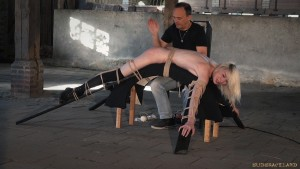 bdsm slapping session rope bondage noa livia