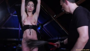 arwen gold bdsm fetish whipping small tits